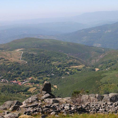 Ruínas da Muralha - Serra do Montemuro